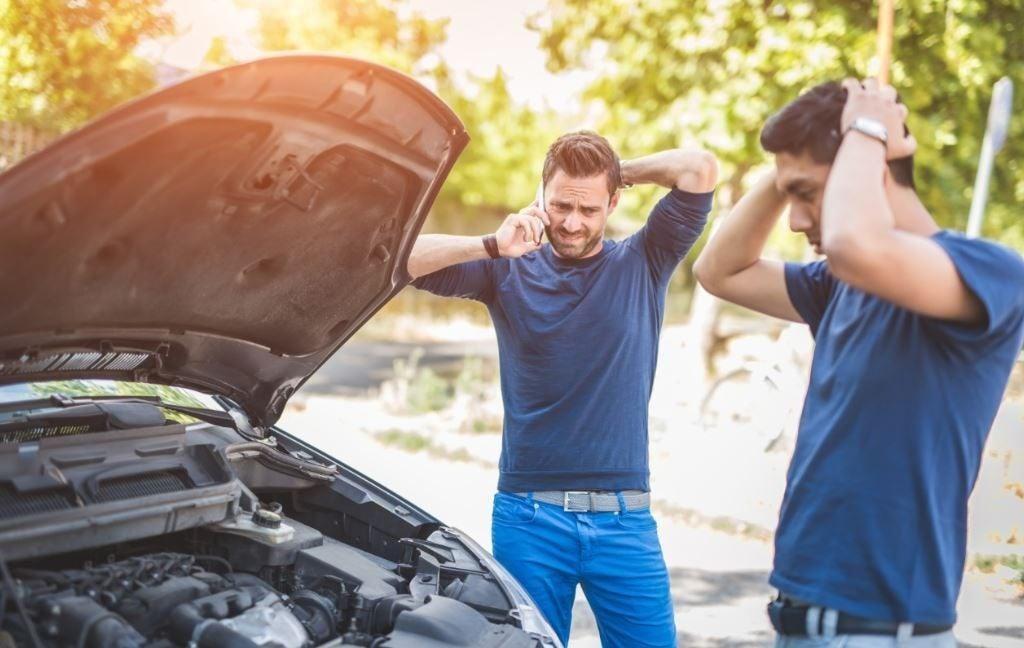 Lo que deberías revisar en tu coche antes de viajar este verano